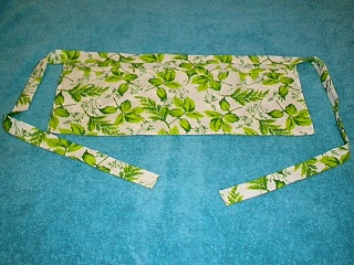 Green Leaf & White Waitress Apron