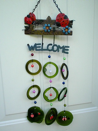 Lady Bug Welcome with Green Rings - Glass Wind Chimes