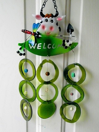 Welcome Cow with Green Rings - Glass Wind Chimes