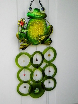 Green Glass Frog with Green Rings - Glass Wind Chimes