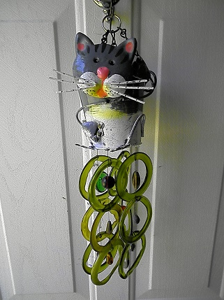 Cat Bucket with Green Rings - Glass Wind Chimes