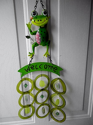 Welcome Green Frog with Green Rings - Glass Wind Chimes