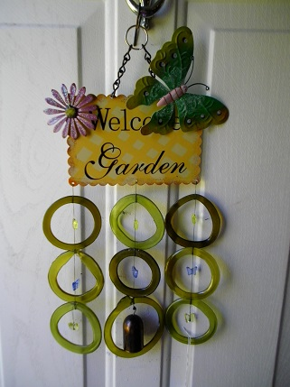 Welcome Garden with Green Rings - Glass Wind Chimes